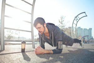 Renforcer sa ceinture abdominale avec la planche